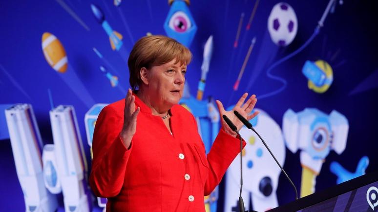 «Чем старше, тем опытнее»: Меркель заявила в интервью Bild, что и не думает об отставке