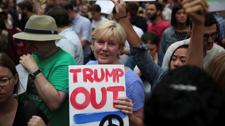 Newsweek: американцы всё чаще задумываются, что от Трампа спасёт только импичмент
