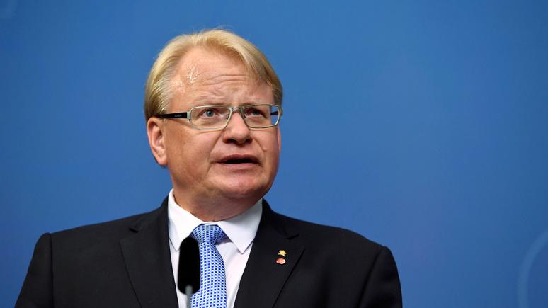 AiP: министр обороны Швеции готовится отражать «русскую угрозу» — а его хотят уволить