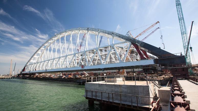 Daily Mail: выше Биг-Бена — в России возвели первую арку Крымского моста