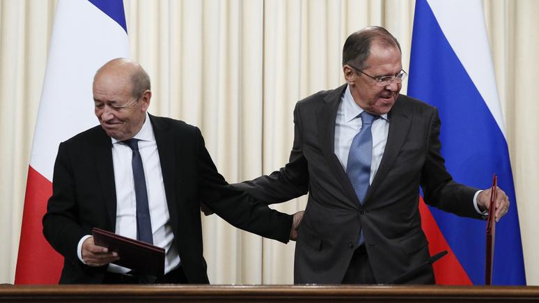 Le Figaro: Франция «уделит большое внимание» предложению России о введении миротворцев в Донбасс