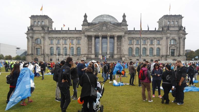 DWN: крах народных партий сделал Германию неуправляемой
