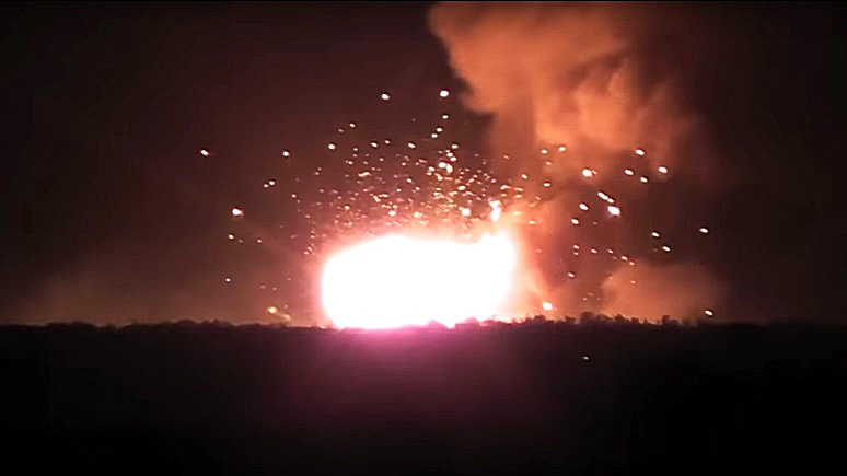 1+1: пожар на украинском складе уничтожил больше арсенала, чем 3 года войны