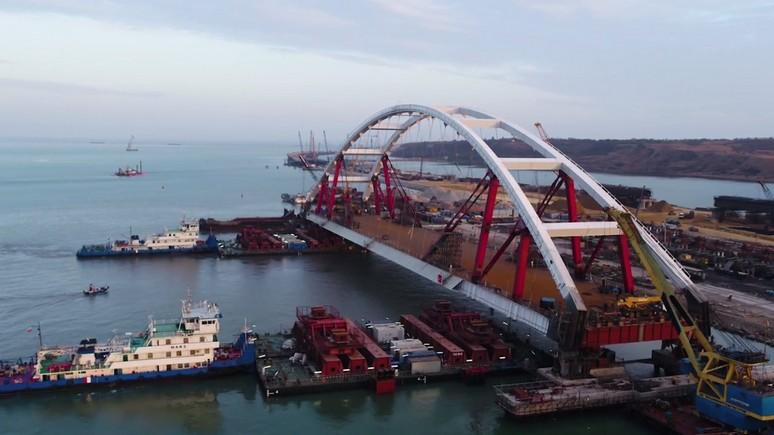 Daily Mail: на Крымский мост устанавливают автодорожную арку