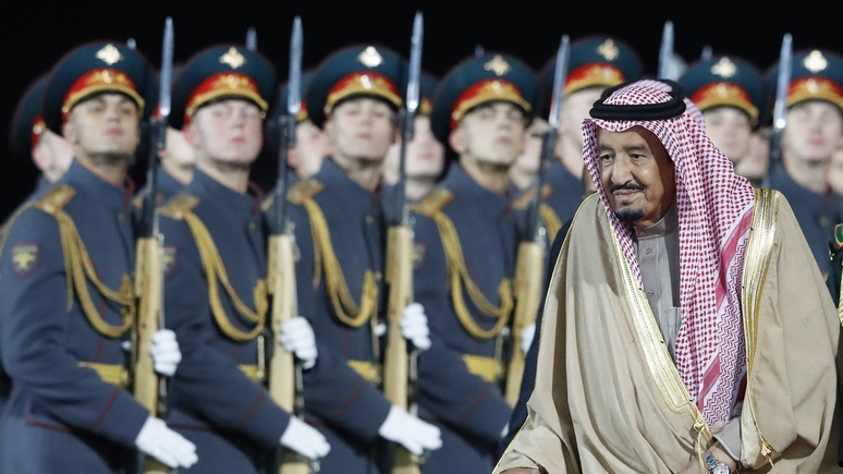 NI: Москва налаживает отношения с Ближним Востоком, но в «полицейские» не метит