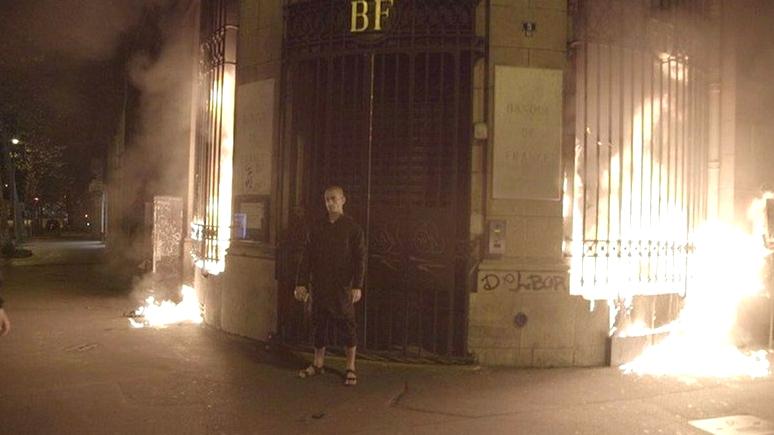 Le Monde: Павленского задержали в Париже при попытке «разжечь мировую революцию»