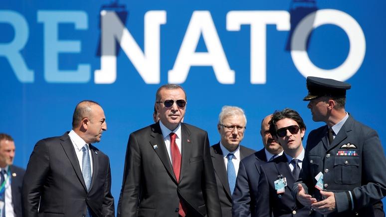 DWN: «вражеское» НАТО в Турции не считают незаменимым