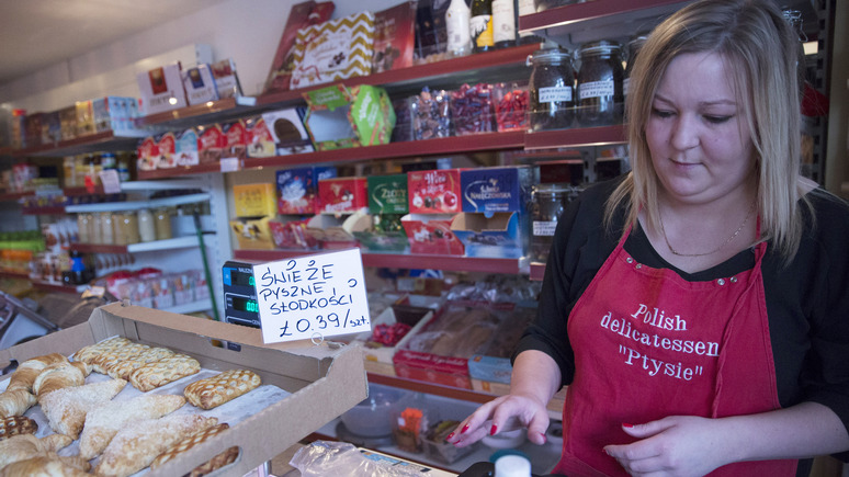 Апостроф: украинцам придётся платить за право работать в Польше
