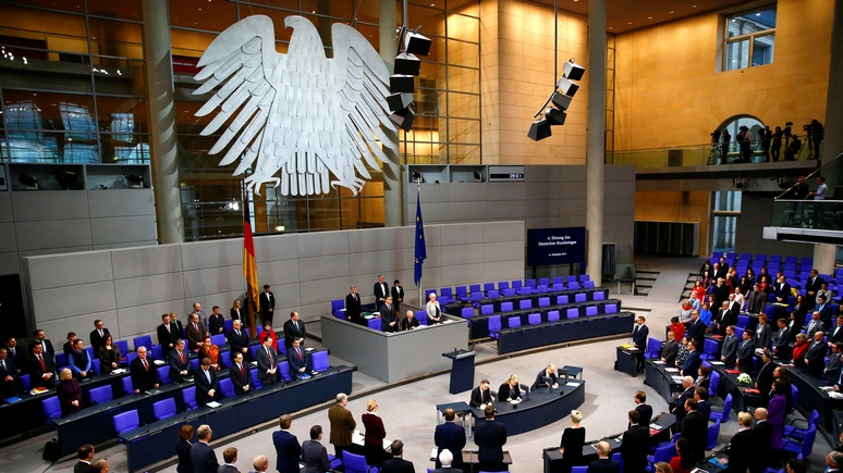 Ostexperte: Берлин огородил «Северный поток — 2» от правовых посягательств Брюсселя