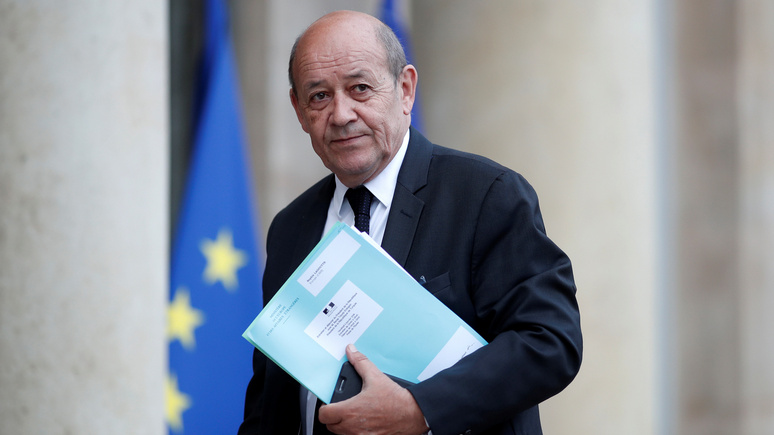 Глава МИД Франции: Макрон уважает Россию, но не боится говорить правду в лицо