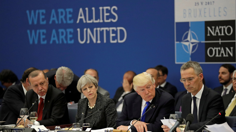 Foreign Policy: риторика Трампа может стоить Америке положения лидера НАТО