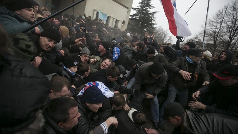 Украинский адвокат: Киев сам отвернул от себя Крым