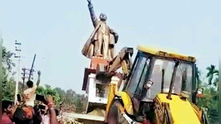 Indian Express: победу правой партии в Индии «отметили» сносом памятника Ленину