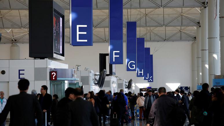 Chanel News Asia: низкий социальный рейтинг китайцев не даёт им покупать билеты на самолёты и поезда