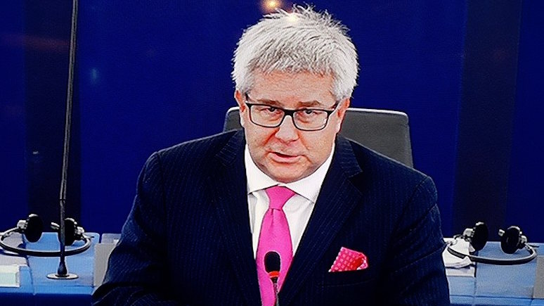 Польский политик: россияне шпионят за Польшей, потому что видят в ней лидера