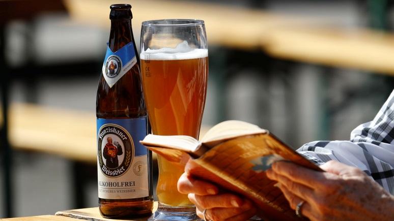 Deutsche Welle: врачи в немецком доме престарелых разрешили употребление алкоголя