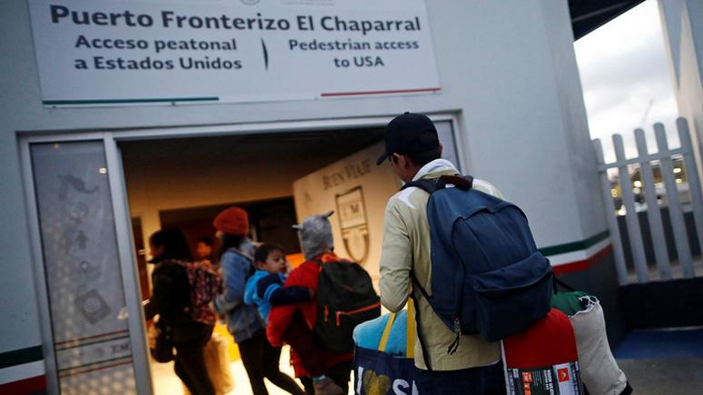 FT: миграция оттесняет экономику в качестве главной движущей силы западной политики
