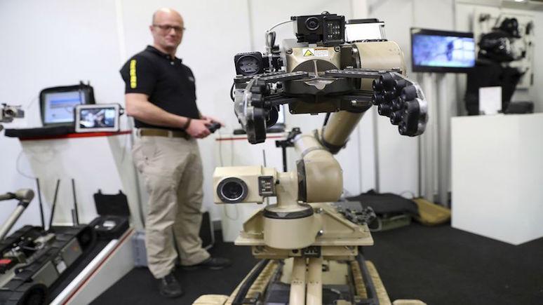 Bloomberg: Пентагон потратит миллиард долларов на разработку боевых роботов