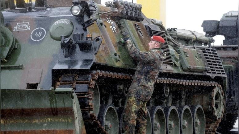 FT: Берлин обвинил Трампа в цинизме за призывы раскошелиться на оборону