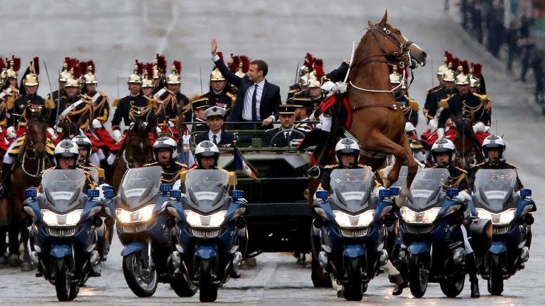 Le Figaro: французский историк обнаружил у Макрона наполеоновские черты
