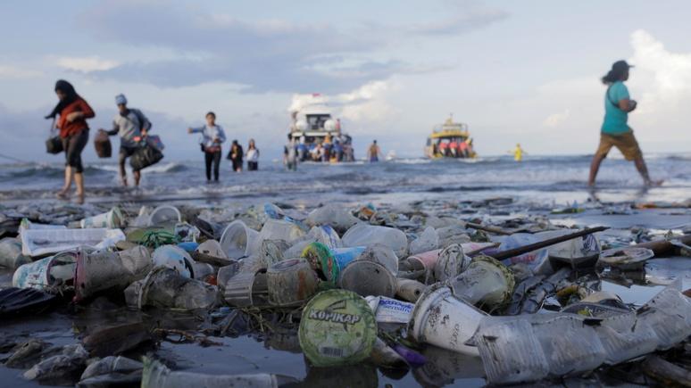 Focus: Европа пытается спасти моря от мусора запретом пластиковых вилок и соломинок