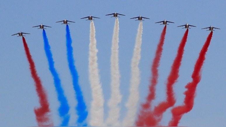 Telegraph: День взятия Бастилии «пошёл кувырком» на земле и в воздухе