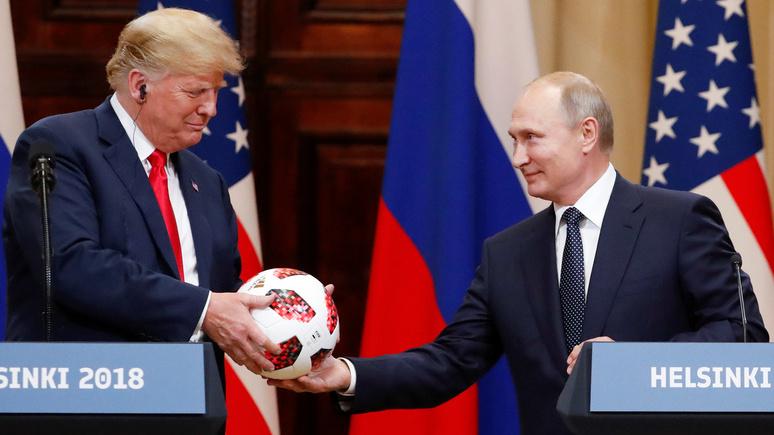 Fox News: Трамп получил мяч ЧМ-2018 от Путина со словами — теперь он на вашей стороне