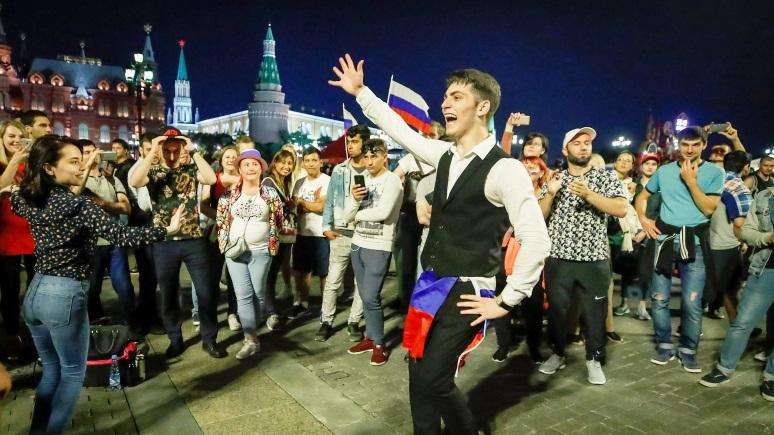 Tageszeitung: ЧМ открыл миру глаза на русских — обычные люди со своими проблемами