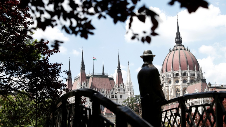 N-TV: Венгрия выходит из договора ООН по миграции