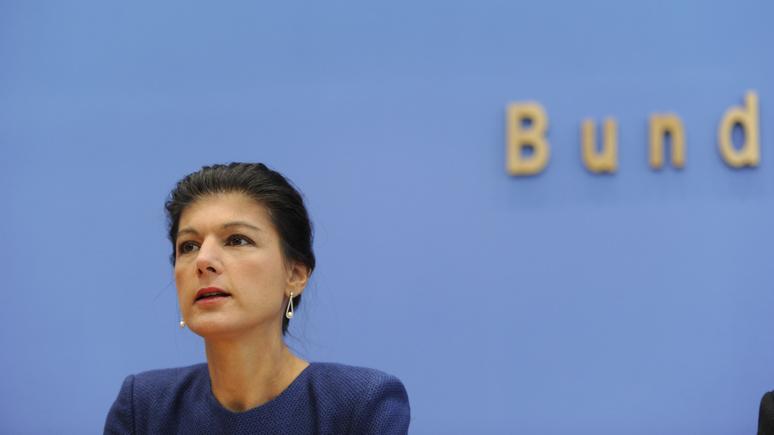 WAZ: Вагенкнехт призвала ЕС снизить зависимость от США и улучшить отношения с Россией