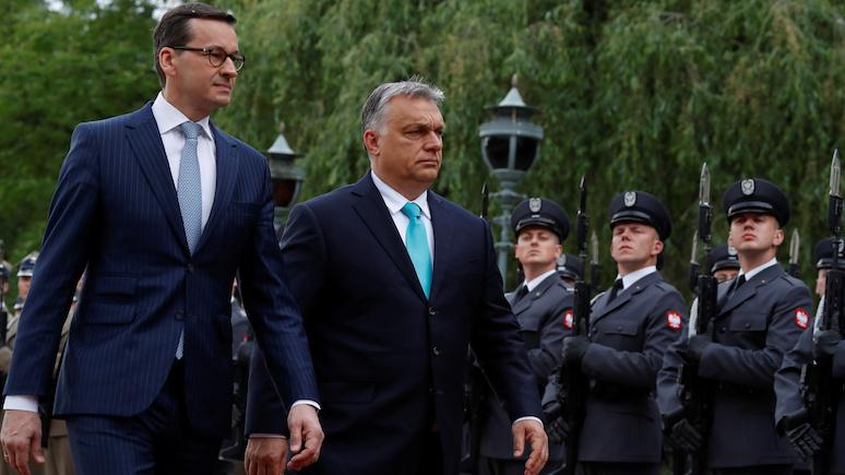 Wyborcza призвала премьера Польши дистанцироваться от «пророссийских» заявлений отца