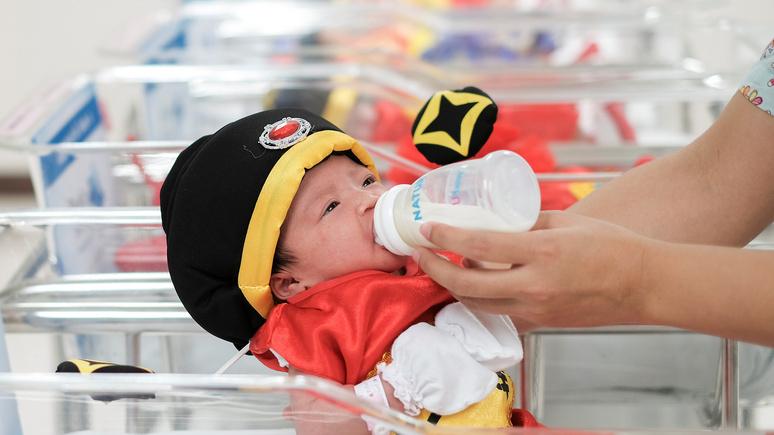 Le Point: в Китае предложили стимулировать рождаемость налогом на малодетность