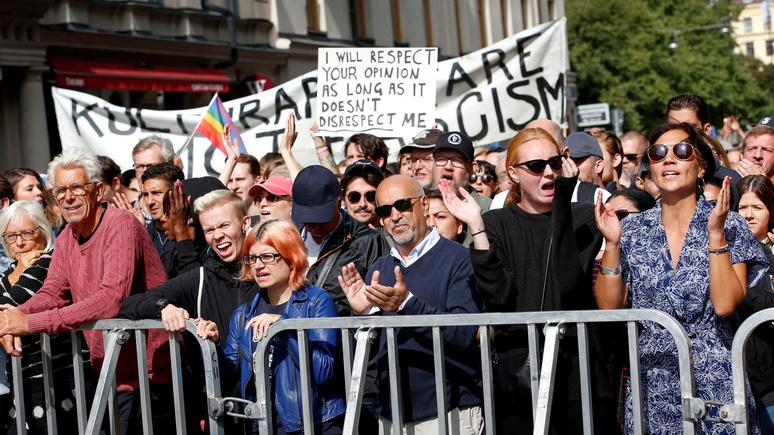 Libération: марш неонацистов заставил шведского премьера задуматься об ужесточении излишне либерального законодательства