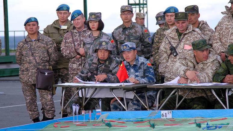 Newsweek: «Мирной миссией» Москва и Пекин скрепили военное усиление ШОС
