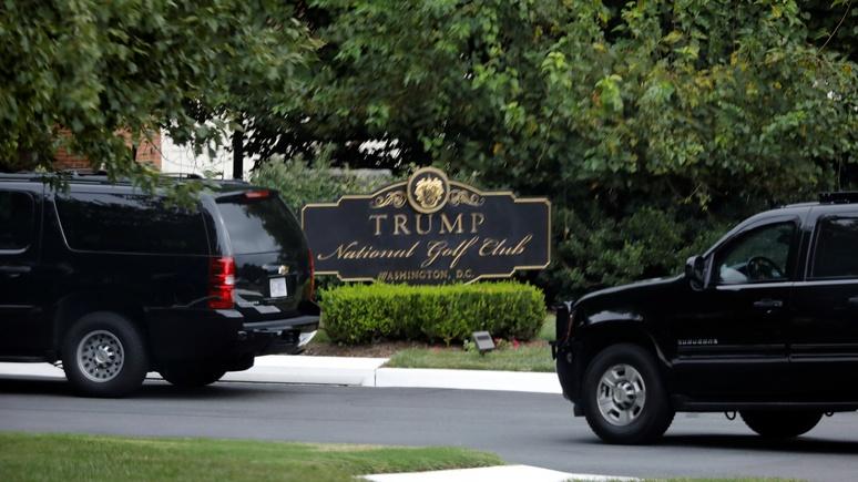 Independent: Трампа раскритиковали за твиты и игру в гольф во время траура по Маккейну