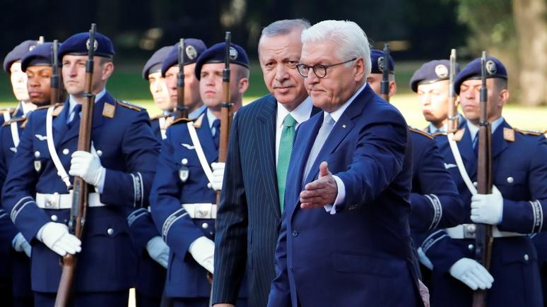 SZ: Берлин сдерживает недовольство Эрдоганом в надежде на улучшение отношений