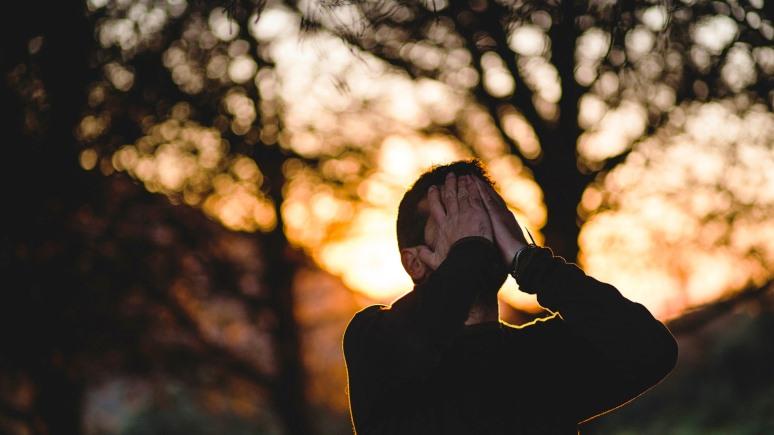 ERR: эстонцам напомнили, что алкоголь — не лекарство от депрессии