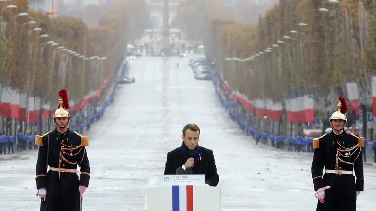 «Это были военные» — Le JDD рассказал, кто уговорил Макрона почтить память маршала Петена