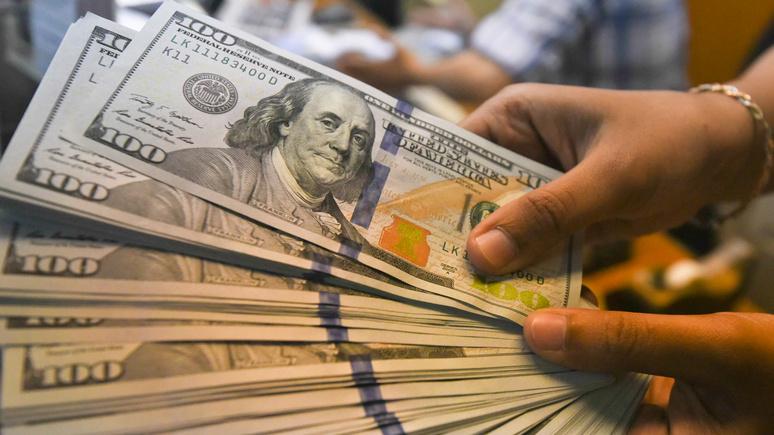 FAZ: Европа возмущена диктатом доллара, но у неё нет приёма против этого «лома»