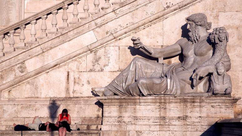 Daily Express: ЕС делает первый шаг к санкциям против Италии