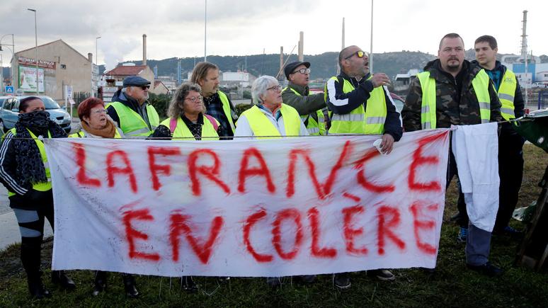 The Times: гнев забытой Франции заставит  Макрона  умерить «монархический» пыл