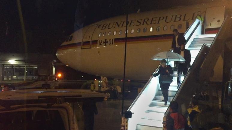 Милая и спокойная: аргентинский пассажир рассказал, какой увидел Меркель в самолёте