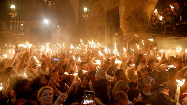 Standard: из-за «единой церкви» Киева Третий Рим рискует остаться без благодатного огня