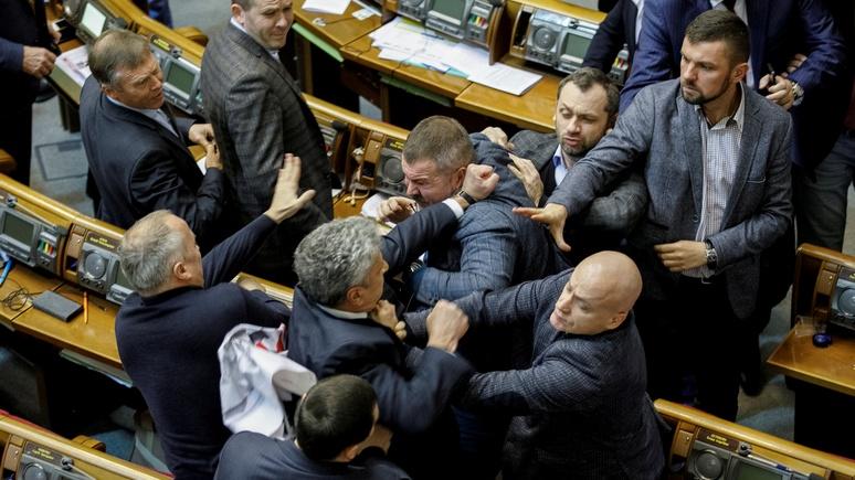 Independent: депутаты Рады устроили потасовку из-за переименования церкви