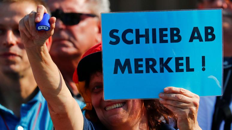 WAZ: каждый третий немец хочет, чтобы Меркель ушла досрочно