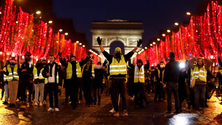 Издатель Figaro: французы всегда хотят одного, но правительство делает вид, что не слышит