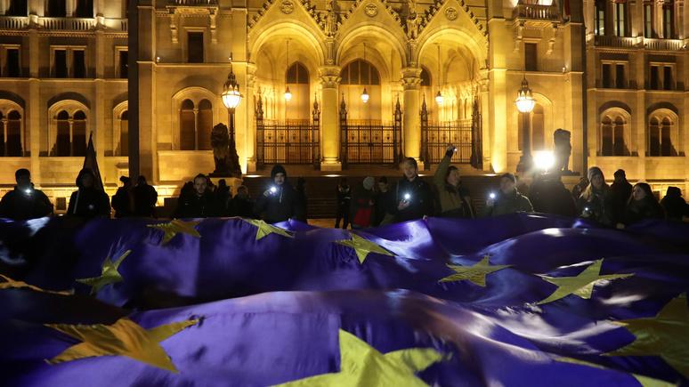 El Periódico: председательство Румынии в ЕС обострит раскол между Восточной и Западной Европой