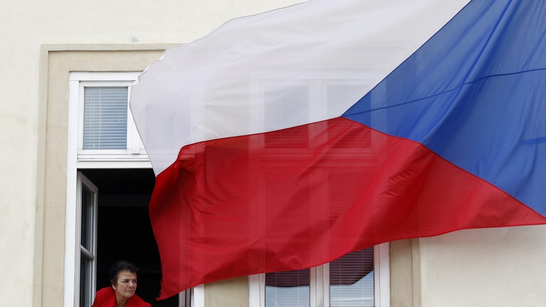 Bild: чешская контрразведка грозит посольству России в Праге «радикальным» сокращением персонала