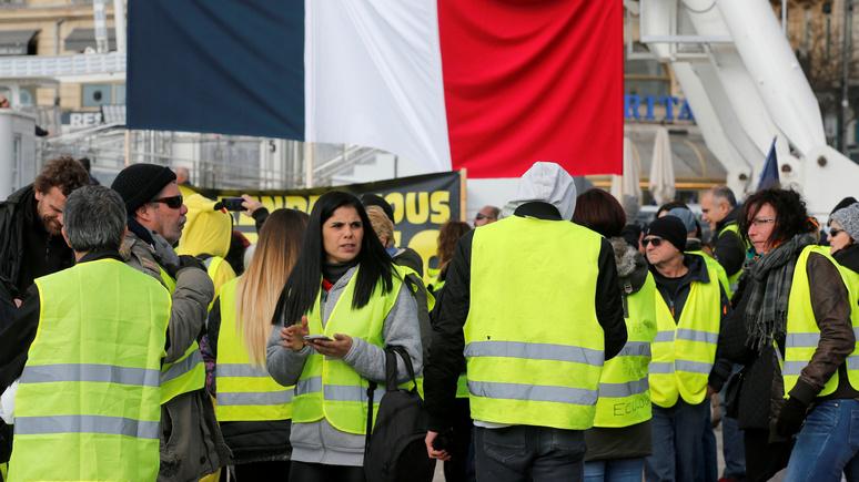 Le Parisien: политические амбиции грозят «жёлтым  жилетам» расколом
