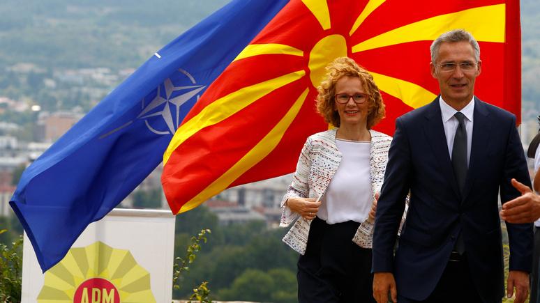Bloomberg: переименование Македонии позволит НАТО закрепиться на Балканах